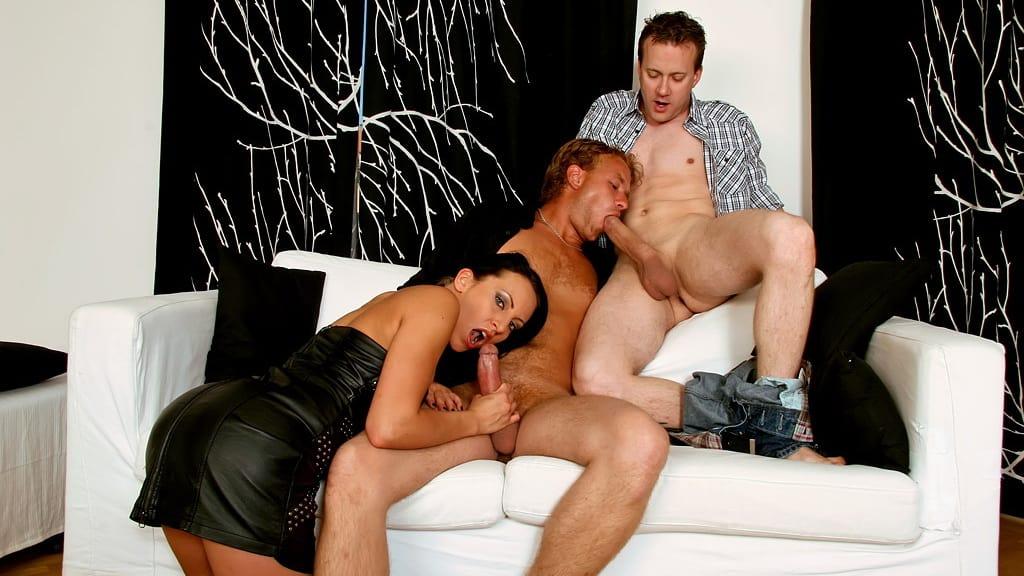 Bisexuell Zwei Schwaenze Muschi Lutschen Blasen Lecken 05